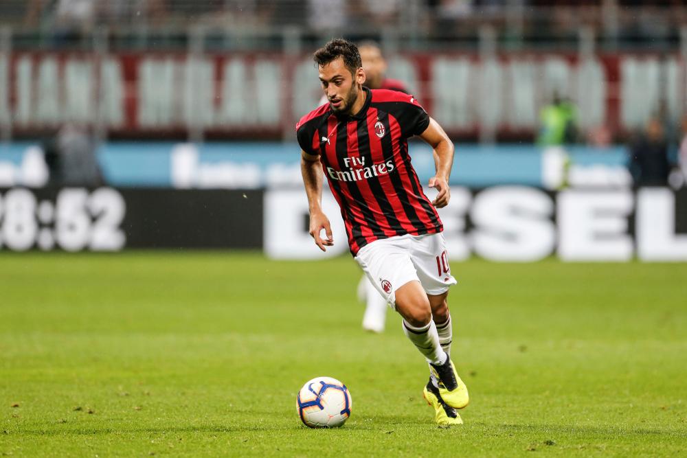 Milan, Rangnick sponsorizza Calhanoglu: il turco rinnova