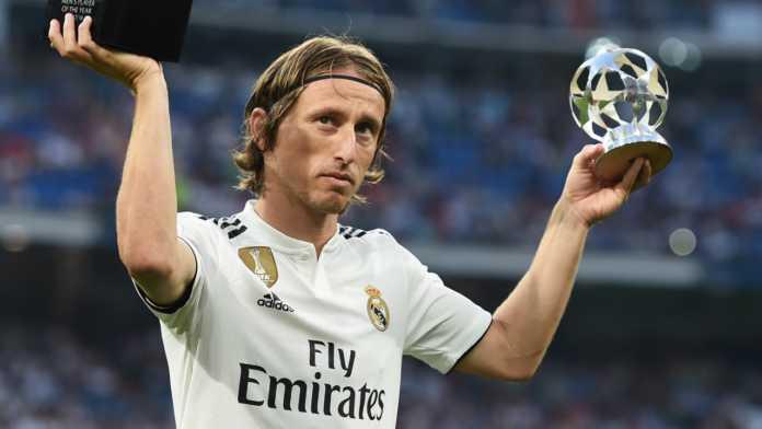 Calciomercato Inter, Modric rinnova con il Real Madrid