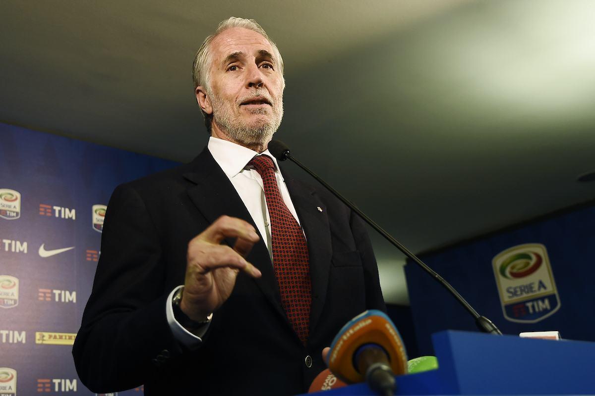 Serie A, che fatica! Malagò rassicura, ma i club insorgono contro il Governo