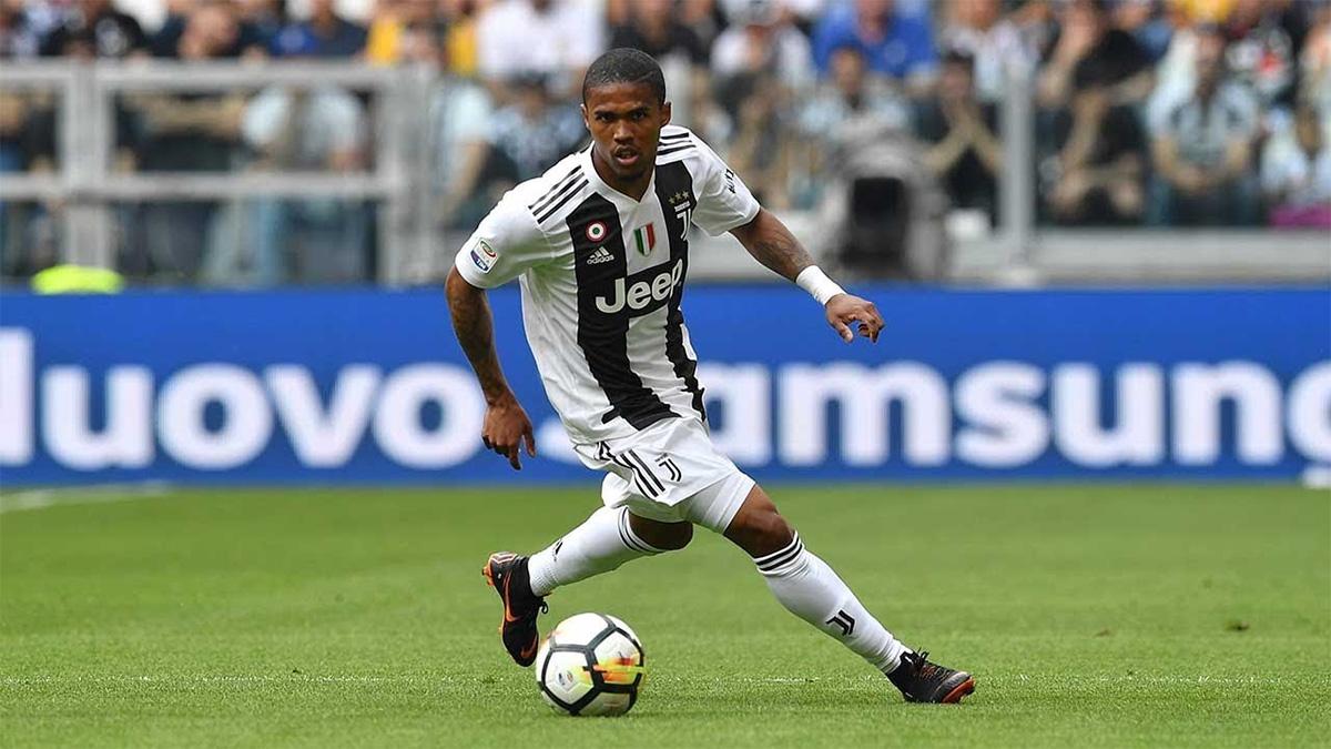 Douglas Costa verso l'addio e la Juventus pensa ad uno scambio con il PSG