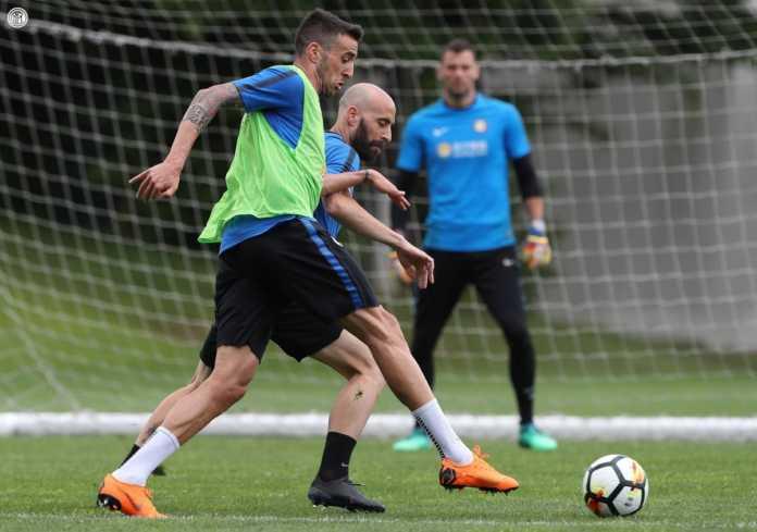 Borja Valero e Matias Vecino dell'Inter