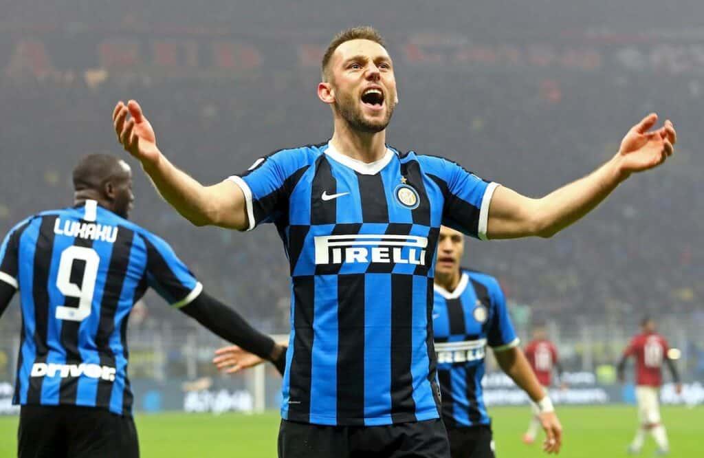 """Inter, De Vrij: """"Seguo Conte e imparo da Van Dijk. Ora battiamo il virus"""""""