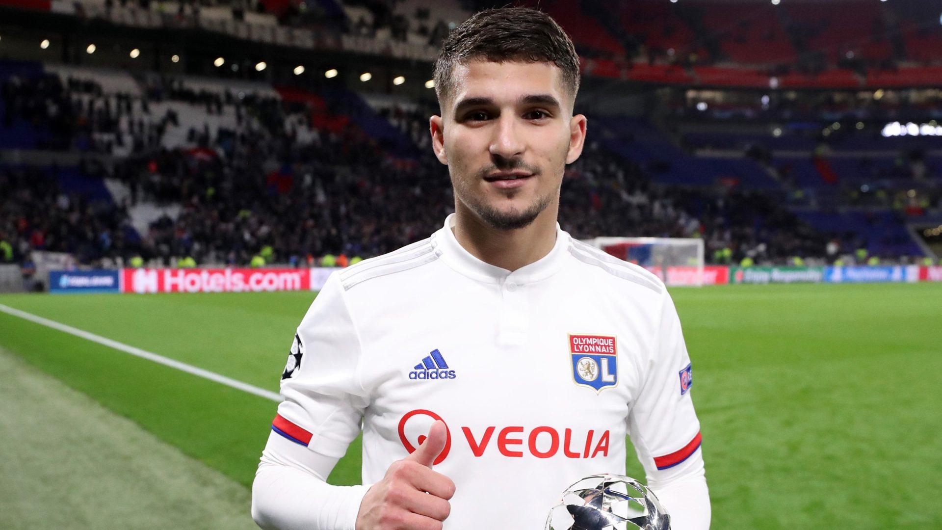Houssem Aouar, centrocampista del Lione