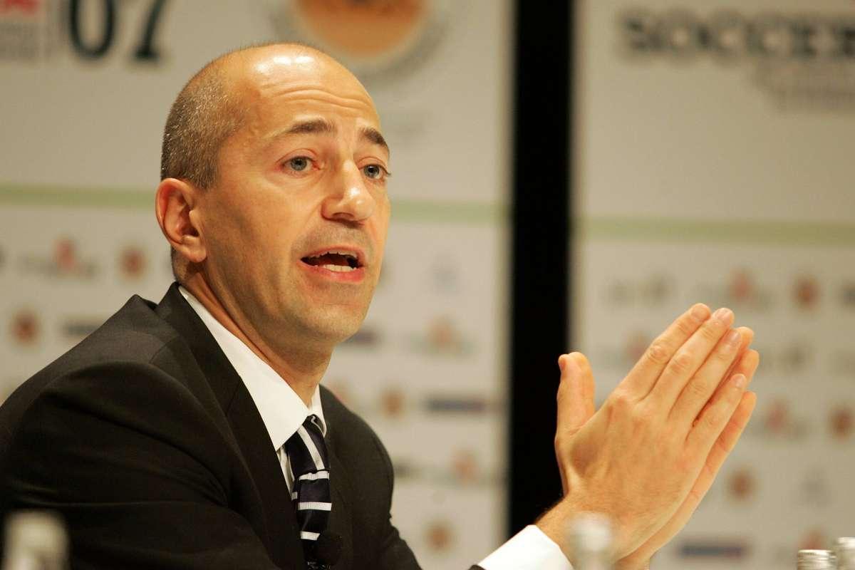 Calciomercato Milan, Gazidis blinda i senatori: nuova idea per l'attacco