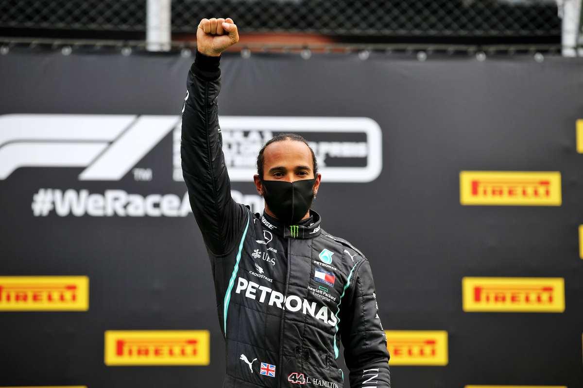 Formula Uno, Gp di Stiria: la Mercedes fa doppietta, la Ferrari fa harakiri