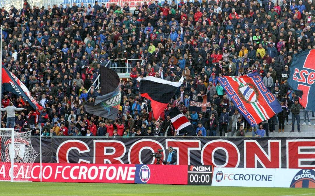 Bentornato Crotone. Gli Squali tornano in Serie A, continua la bagarre playoff-playout