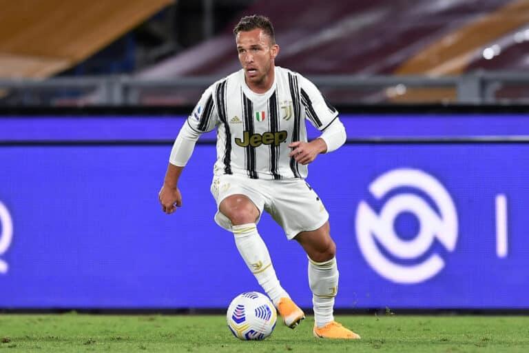 Juventus, tocca ad Arthur: Pirlo punta sulla qualità
