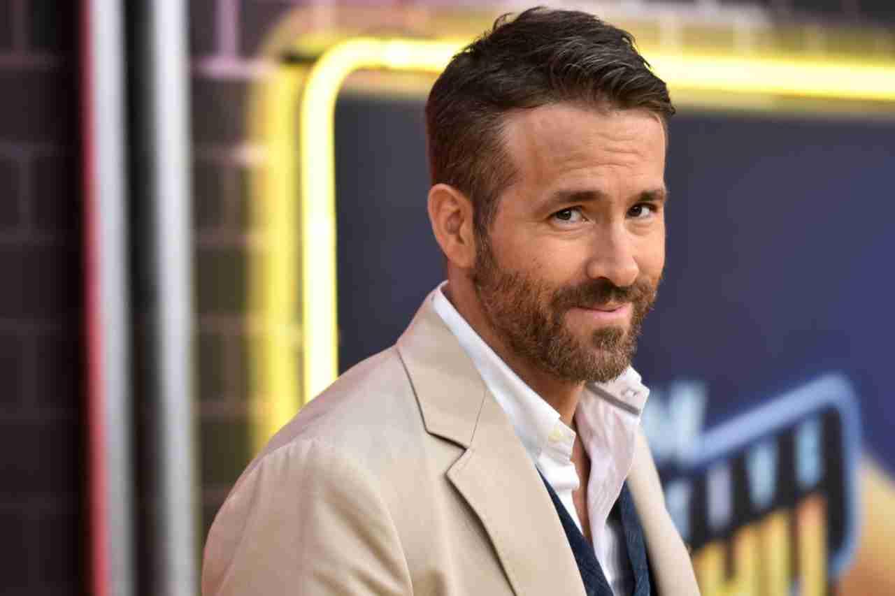 Gli attori Ryan Reynolds e Rob McElhenney vogliono comprare il Wrexham