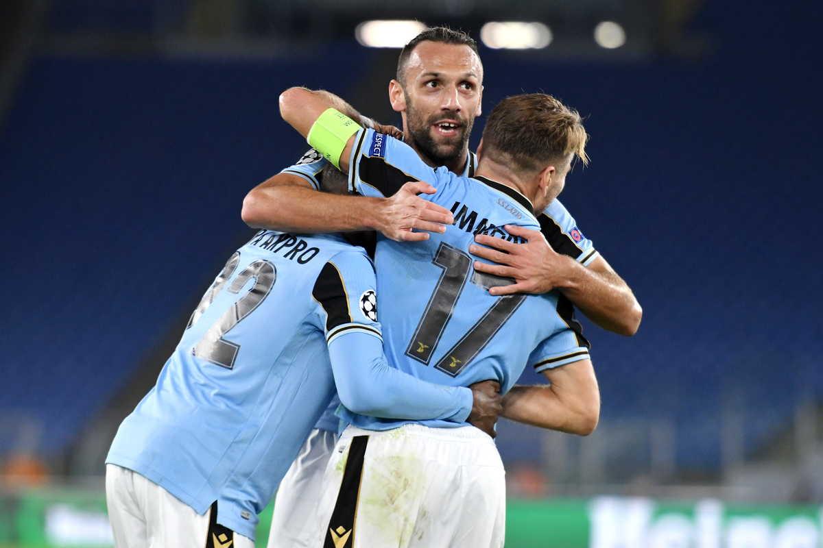 Akpà Akprò, centrocampista della Lazio, festeggia il gol del 3-1 contro il Borussia Dortmund all'esordio in Champions League @imagephotoagency