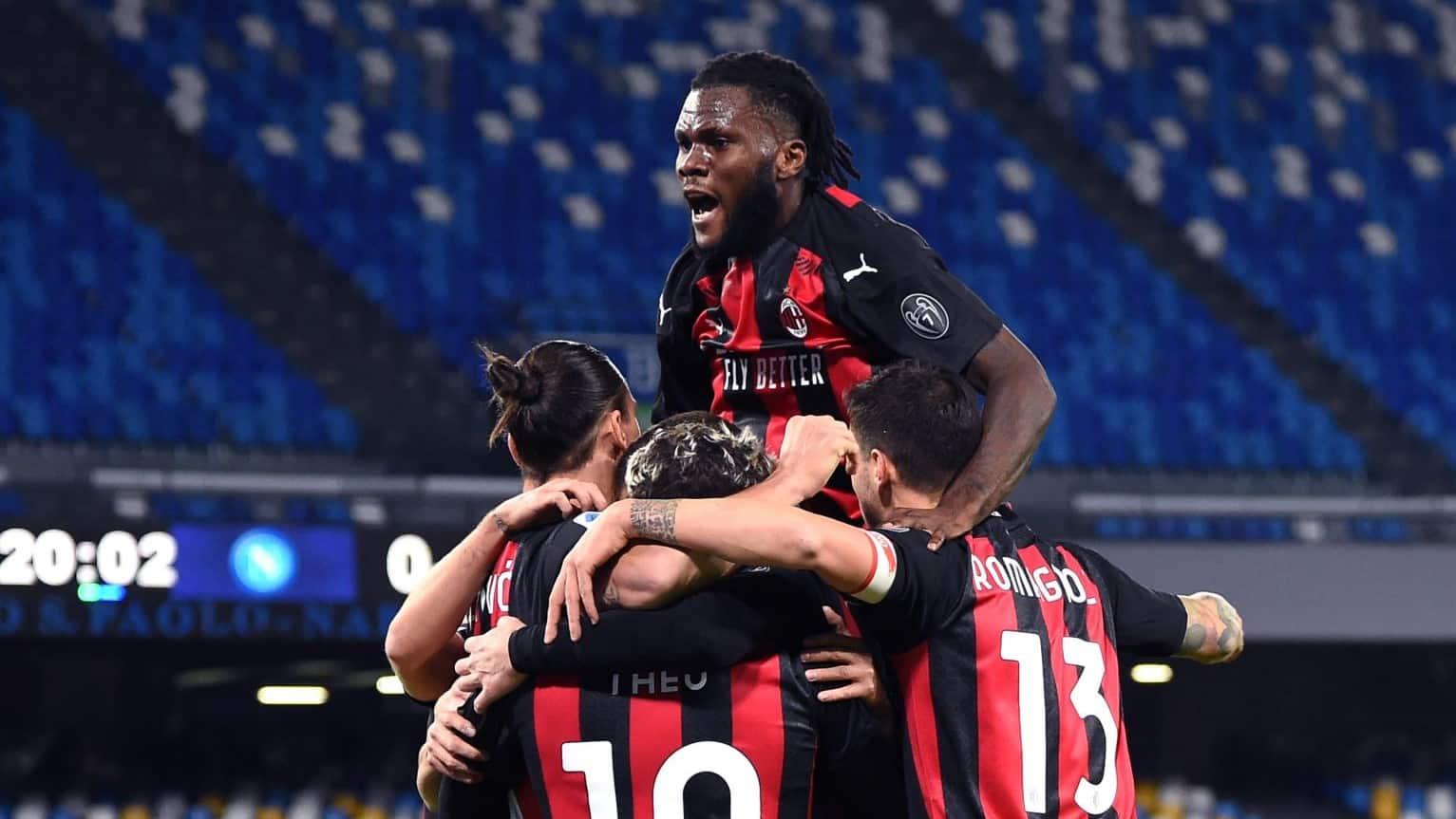 Esultanza Milan dopo il 3-1 inflitto al Napoli