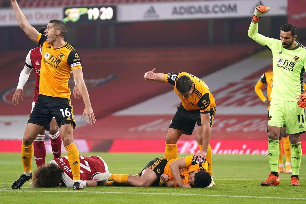Raul Jimenez, attaccante del Wolverhampton, e David Luiz, difensore dell'Arsenal