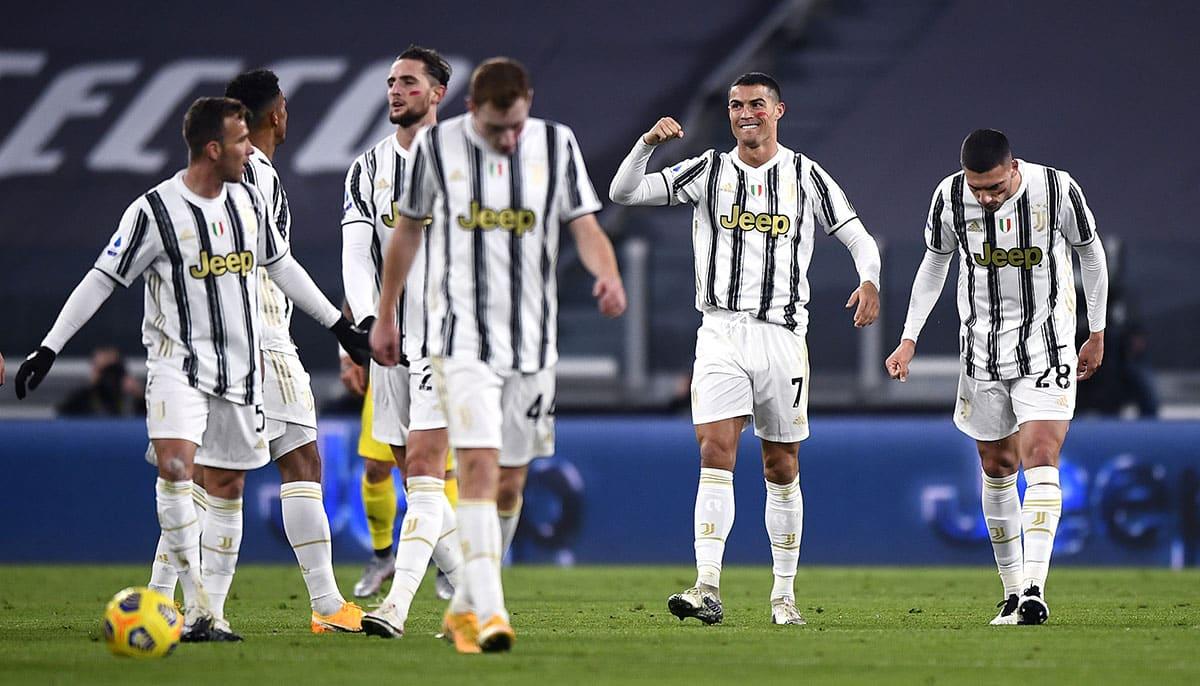 Cristiano Ronaldo, in gol contro il Cagliari