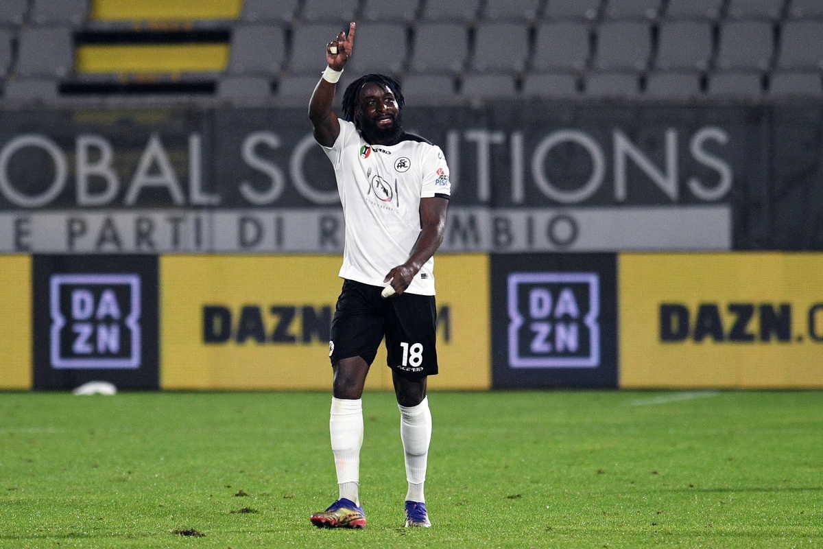 M'Bala Nzola, attaccante dello Spezia